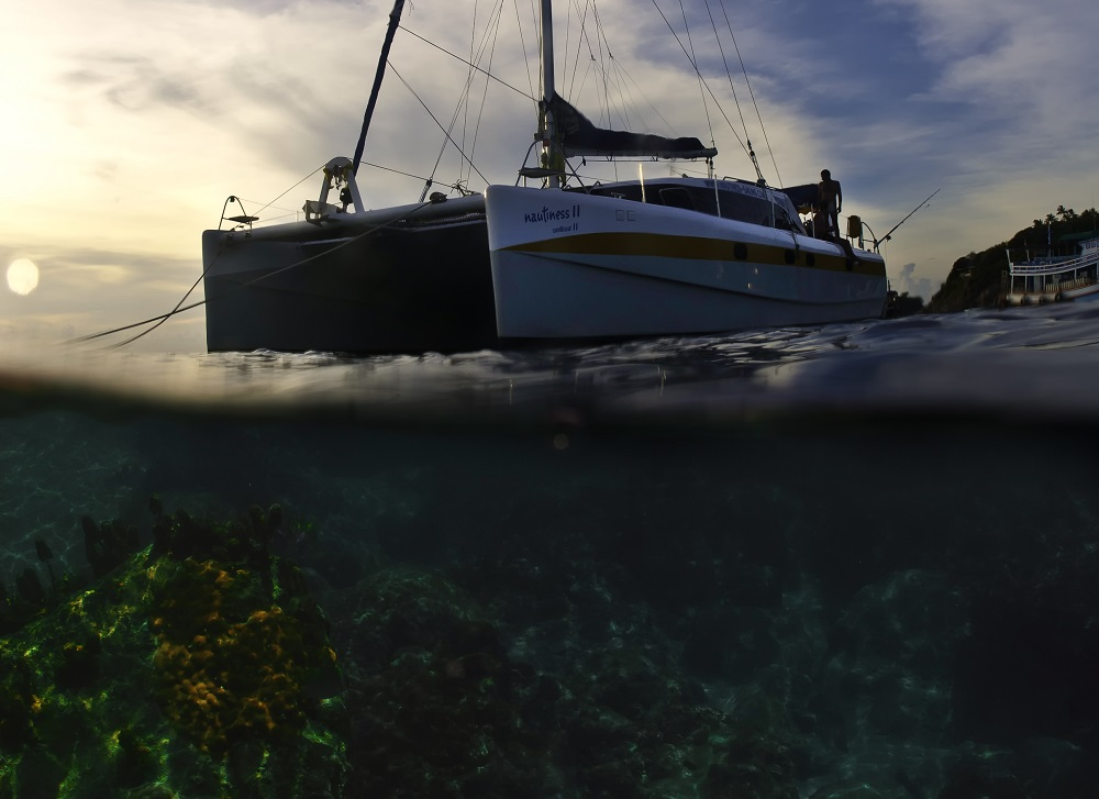 nautiness-half-reef-half-boat-square